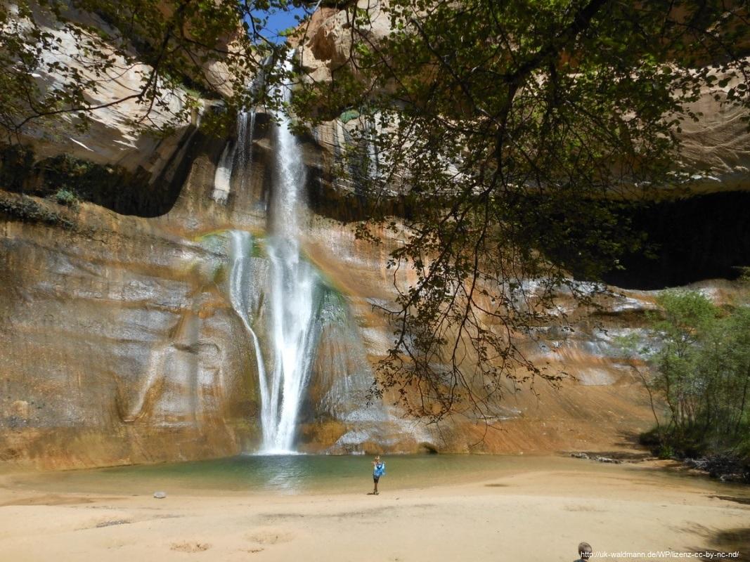 Hike-Lower-Calf-Creek-Canyon-015