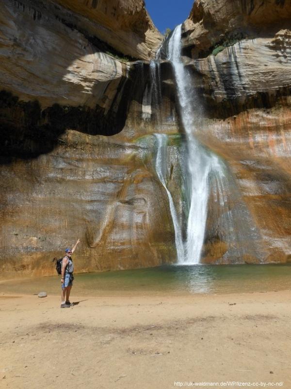 Hike-Lower-Calf-Creek-Canyon-017