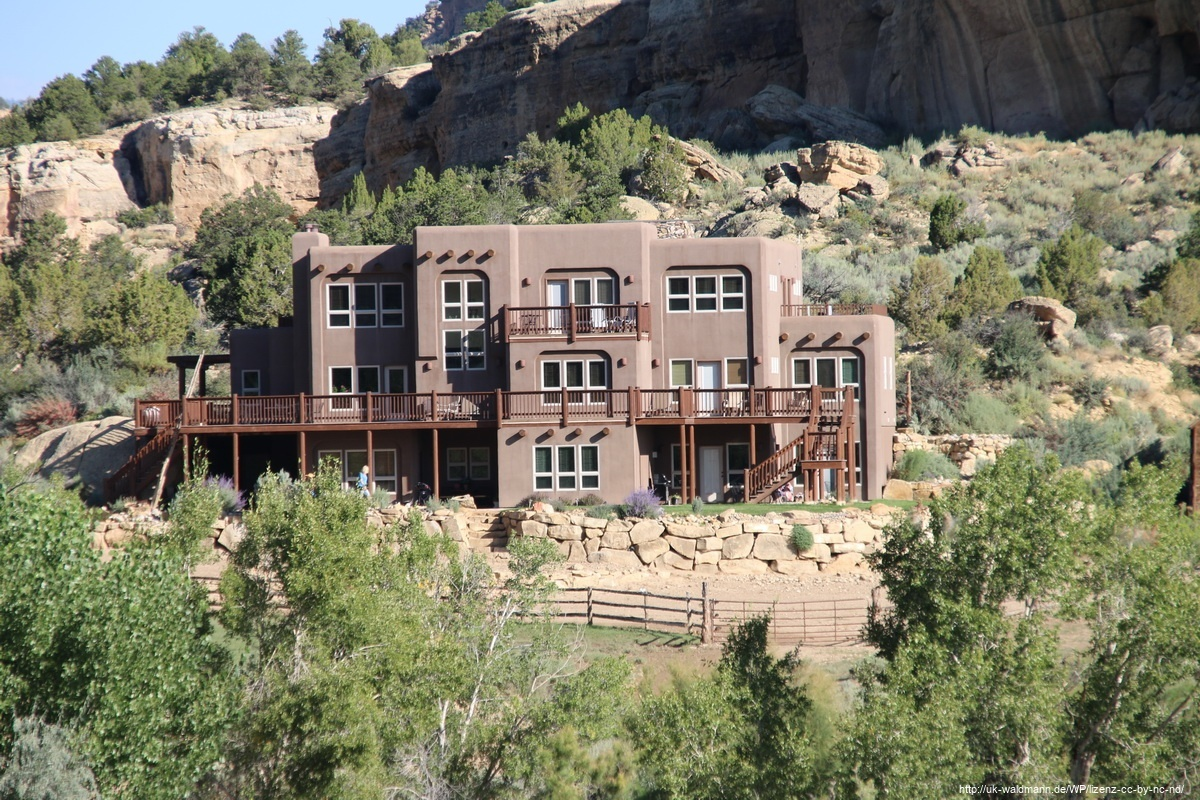 Slot-Canyon-Inn-Escalante